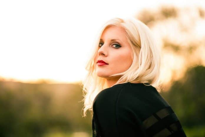 Larissa the blonde gypsy