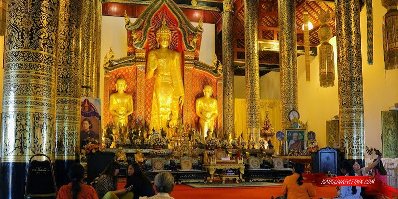 Wat Chedi Luang temple inside