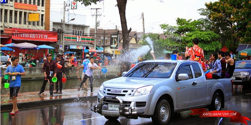 Throwing water during Songkran