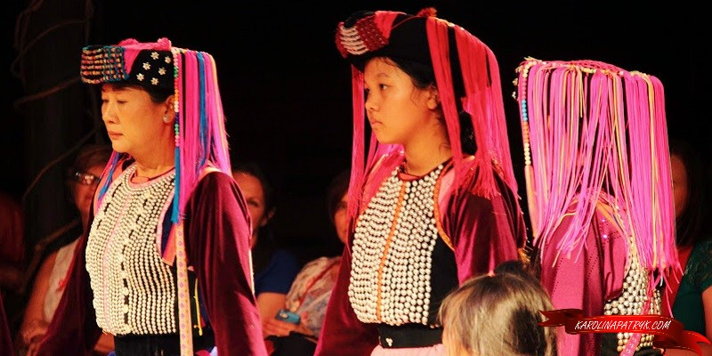 Traditional Thai women