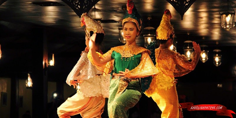 Traditional dancing in Chiang Mai