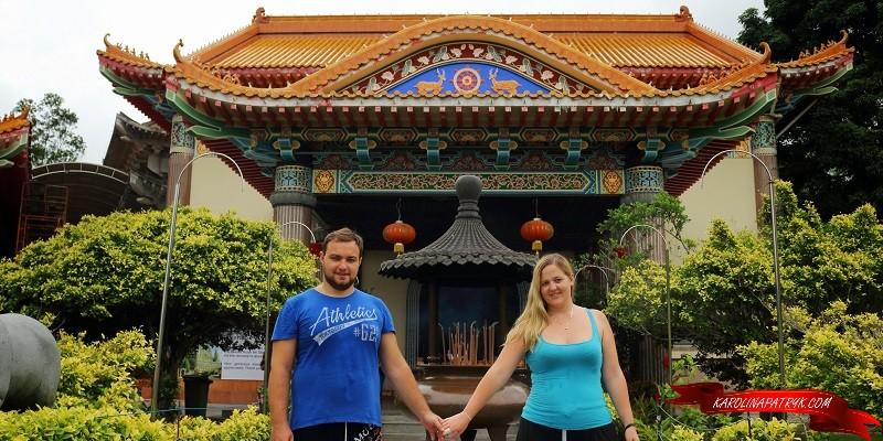 Romantic photo in Kek Lok Si temple