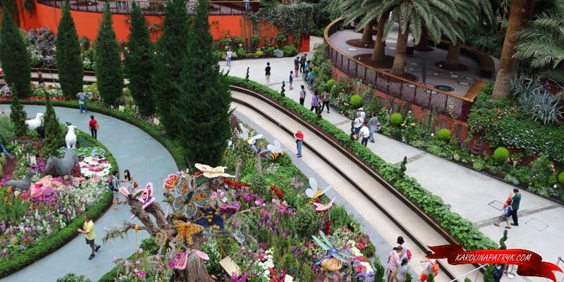 Singapore gardens inside