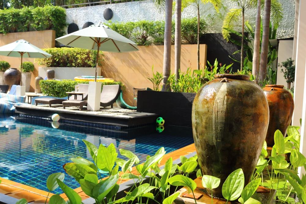 Swimming pool Manathai Surin Phuket