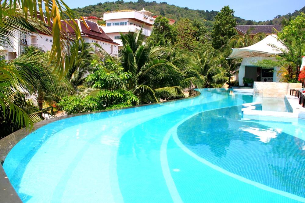 Papaya Pool with a swim up pool bar