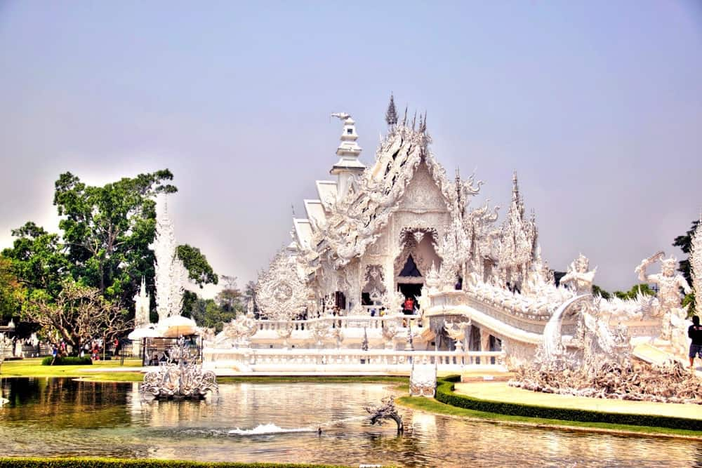 White temple in Chiang Rai 10 days in thailand itinerary