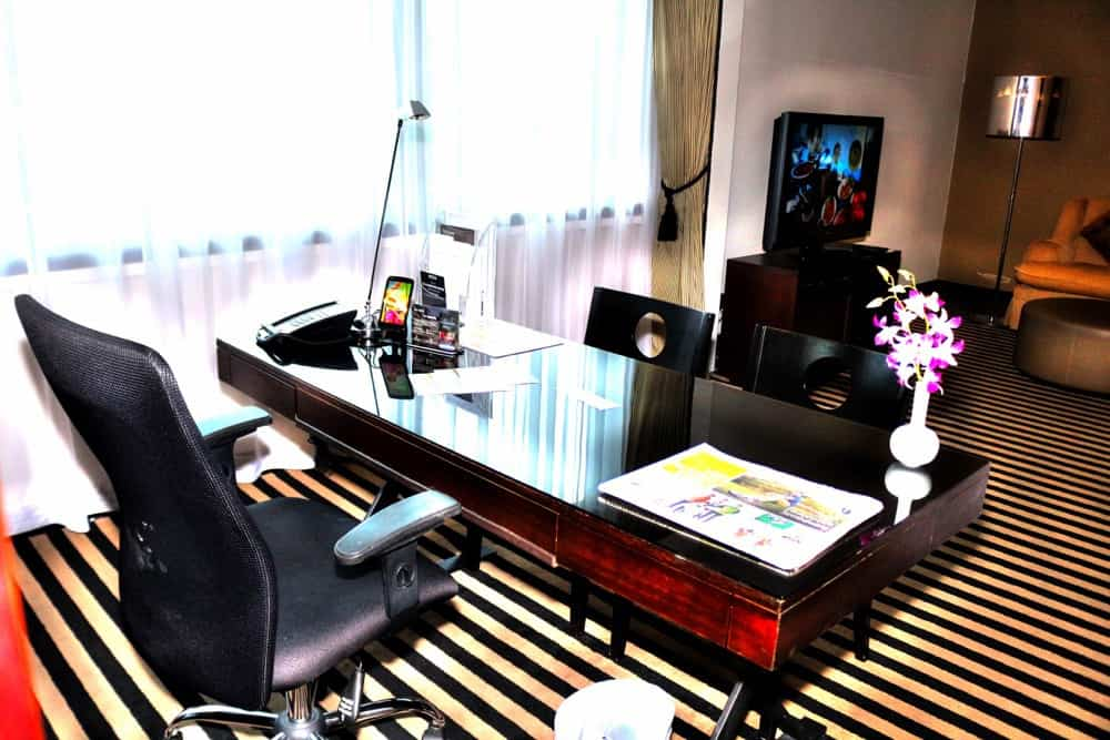 Working space in Concorde Hotel Best hotel Singapore