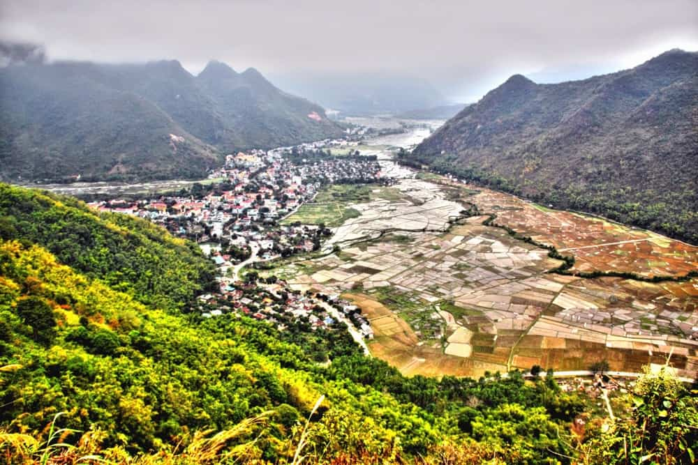 Rice fields at Hòa Bình Province