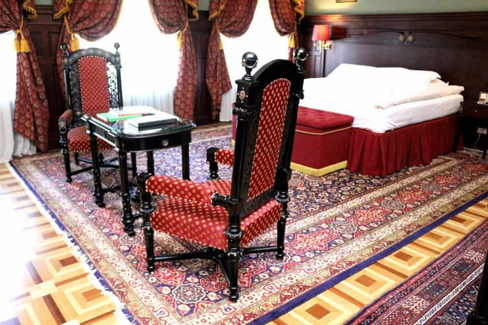 Royal suite at Gallery Park Hotel