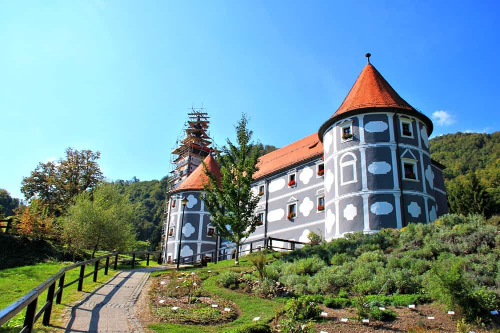 olimje-castle-monastery