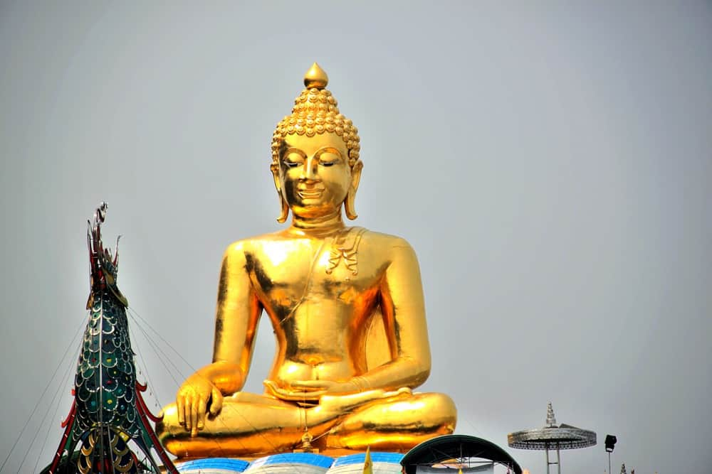 buddha-meditation How to not lose yourself while traveling
