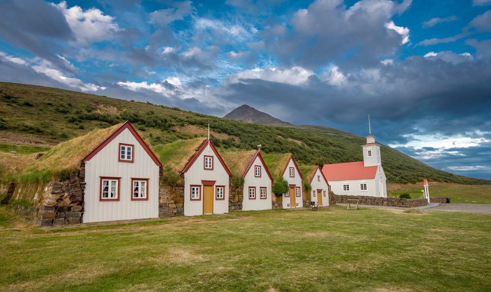 laufaskirkja-nordurland-sumar-2012-4-edit-1