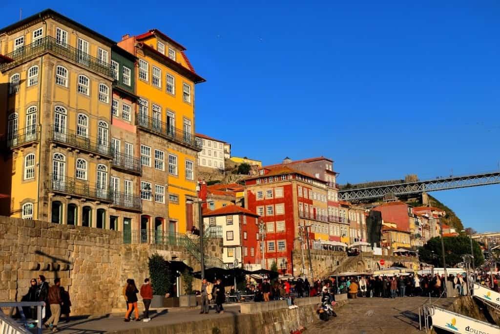 porto-colorful-buildings