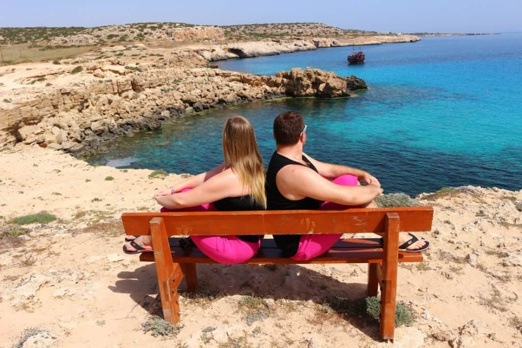 Finding jobs for a couple is one of the best ways to travel and work online