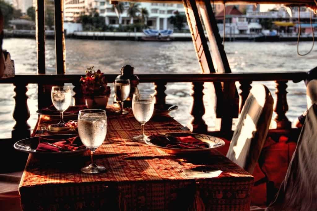 asia cruise dinner