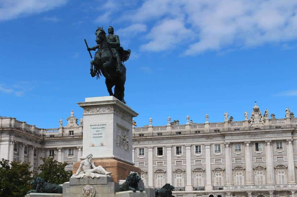 Facts on Madrid: Madrid is the financial center of Spain