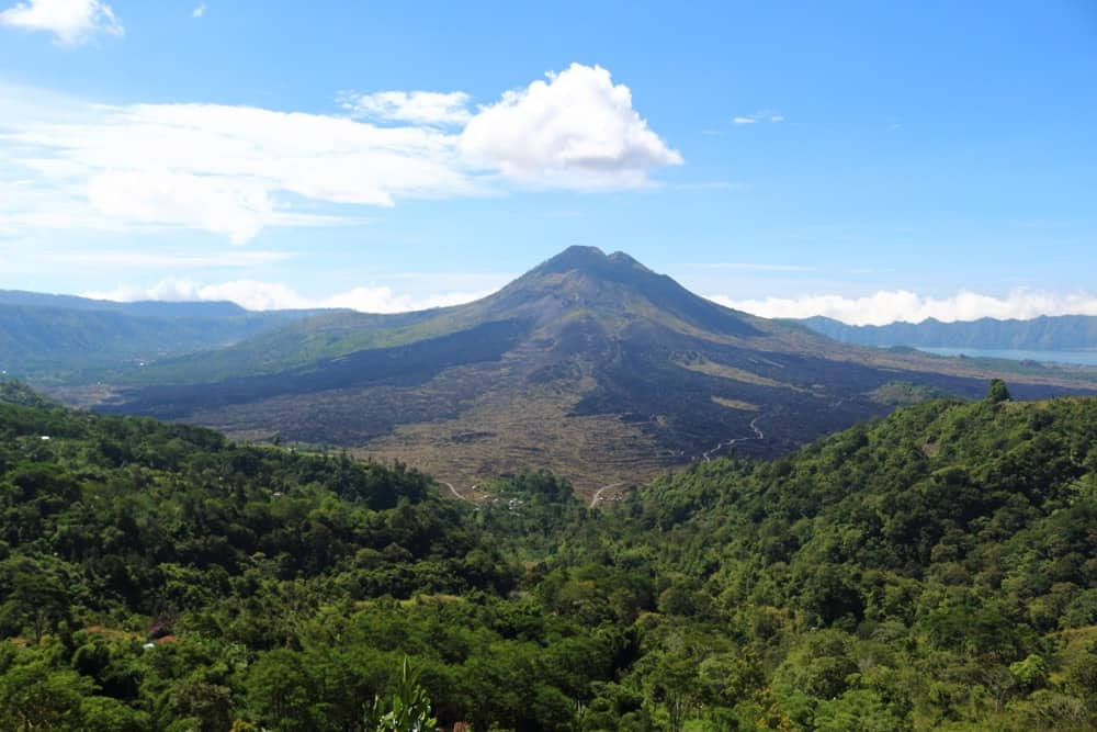 Fun facts for Italy: the famous volcanoes