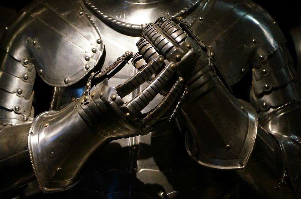 Ancient Greek armour weighed over 33 kg