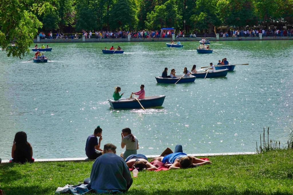 Retiro Park boat