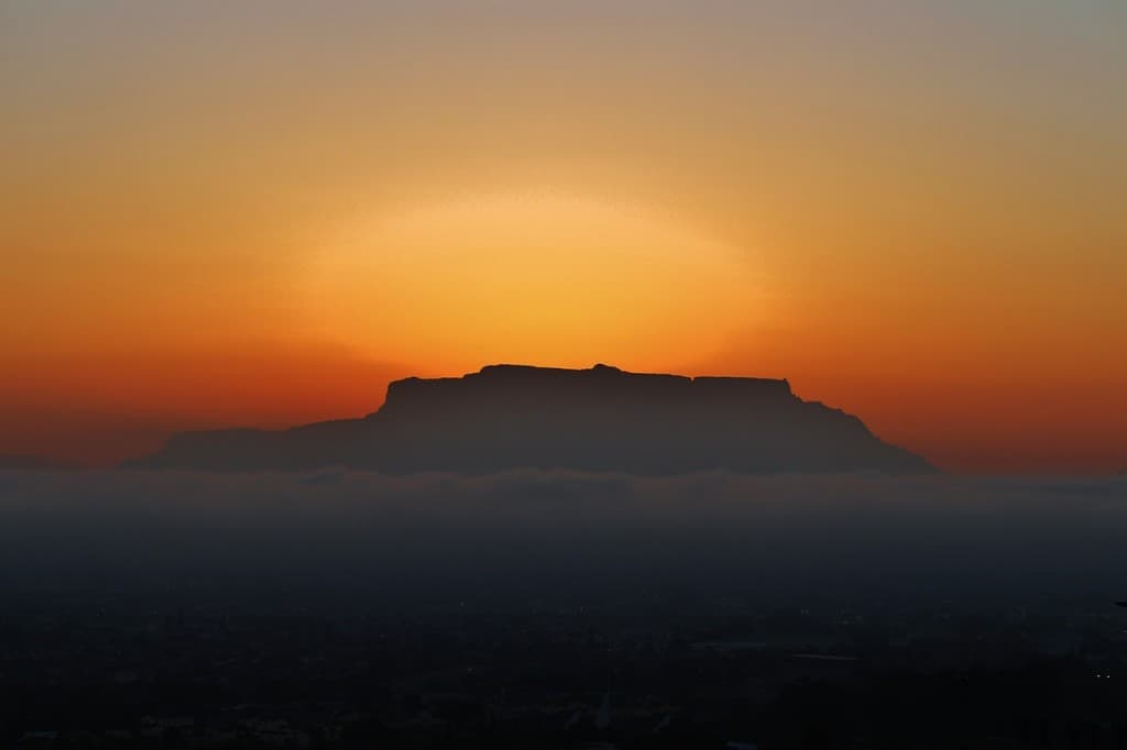table mountain Cape Town sunset cruise