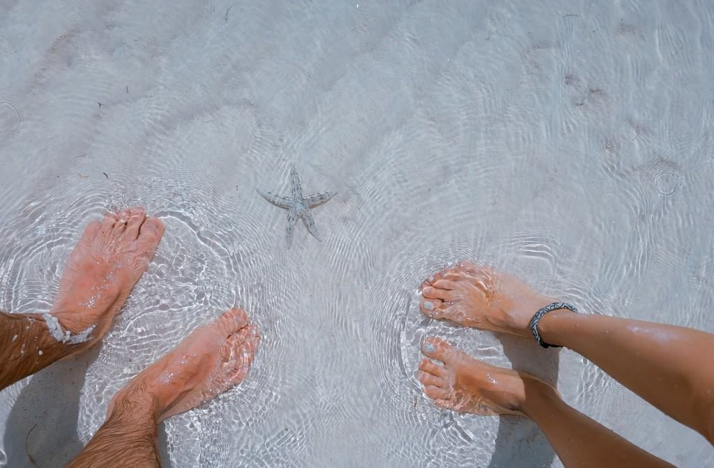 couple feet bali