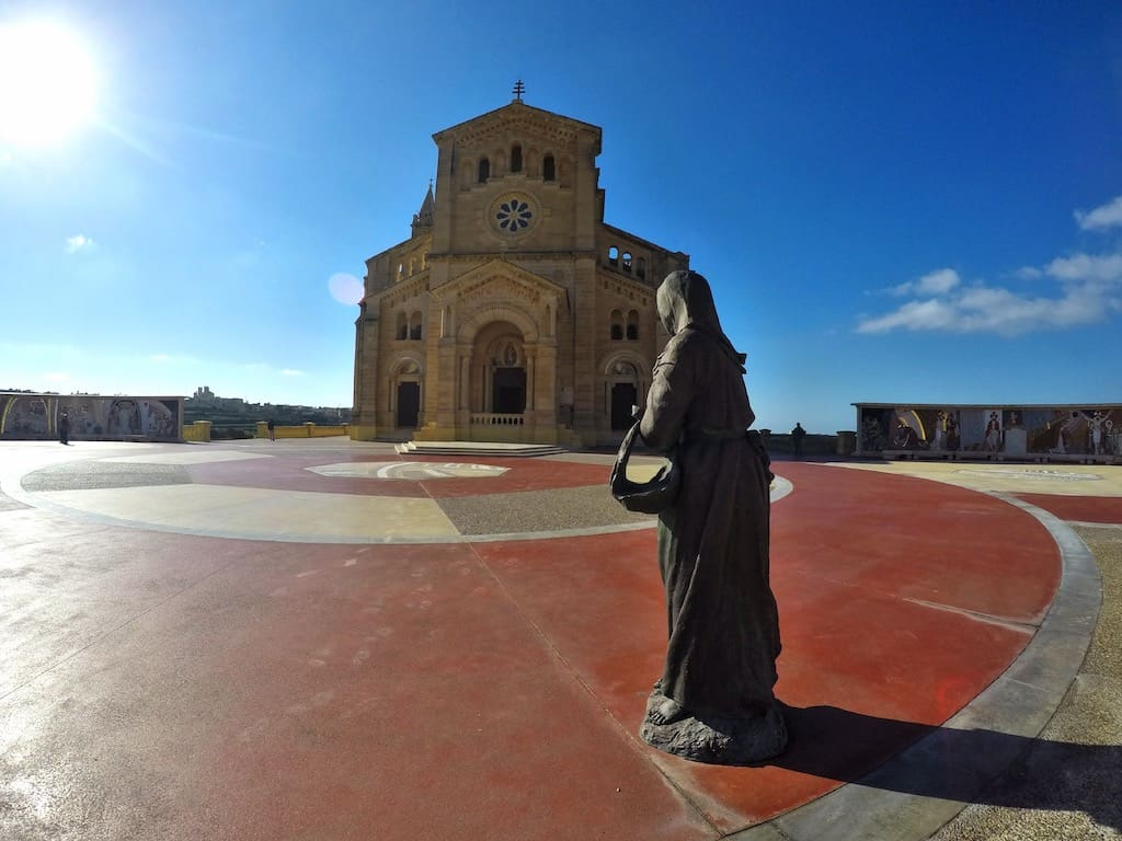 ta'pinu basilica statue station of the cross