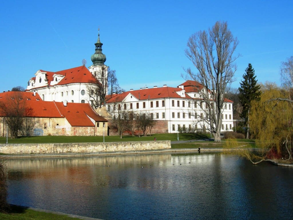 Praha Břevnov, Monastery