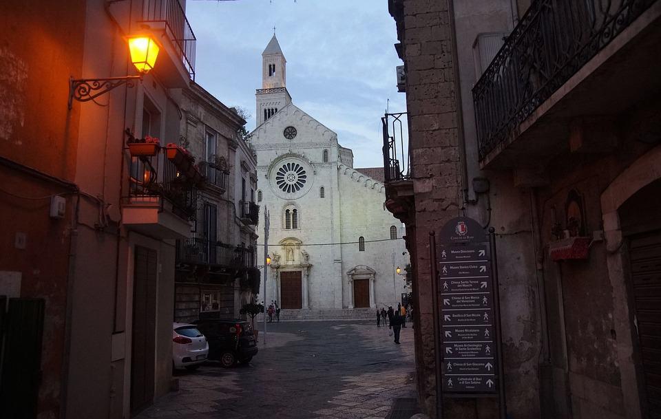 A church street in Bari - KarolinaPatryk